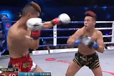 视频-昆仑决北京站 步云龙TKO汤国良获胜