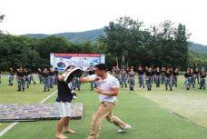 昆仑决创始人姜华率队走进军事夏令营,用格斗精神影响青少年