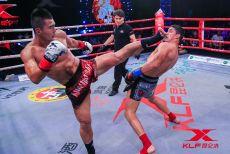 杨茁不惧疯狂低扫,重拳猛击晋级决赛