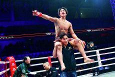 去年1分15秒TKO获胜,同样的地点,他再战昆仑决81北京站